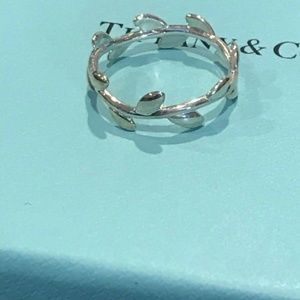 Authentic Tiffany and co women's leaf ring!!!